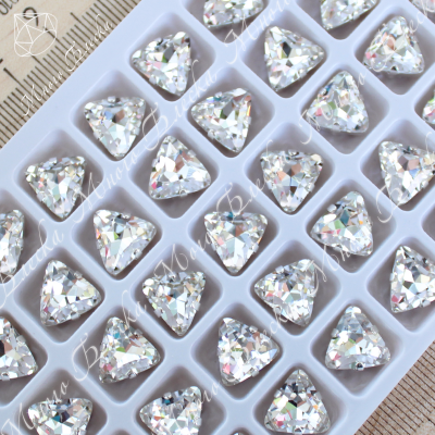 "Стразы в цапах Тругольник ""Кристалл"" 10мм SWA crystalls"