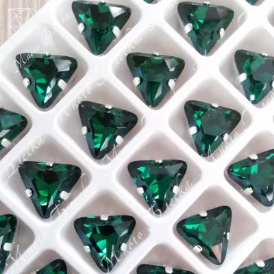 "Стразы в цапах Треугольник ""Эмералд"" 10мм SWA crystalls"
