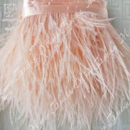 Перья страуса в декоре одежды и аксессуаров