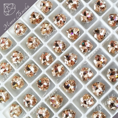 "Стразы в цапах Триллиант ""Лайт пич"" 7мм SGA crystalls"