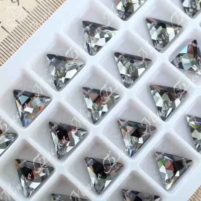 """Треугольник-мозаика """"Блэк даймонд"""" 12мм SGA crystalls"""